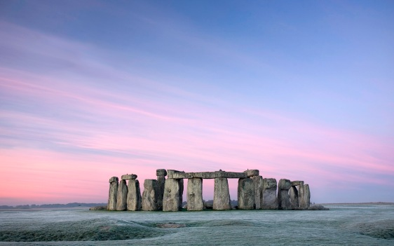 Stonehenge at Dawn, Wiltshire, England